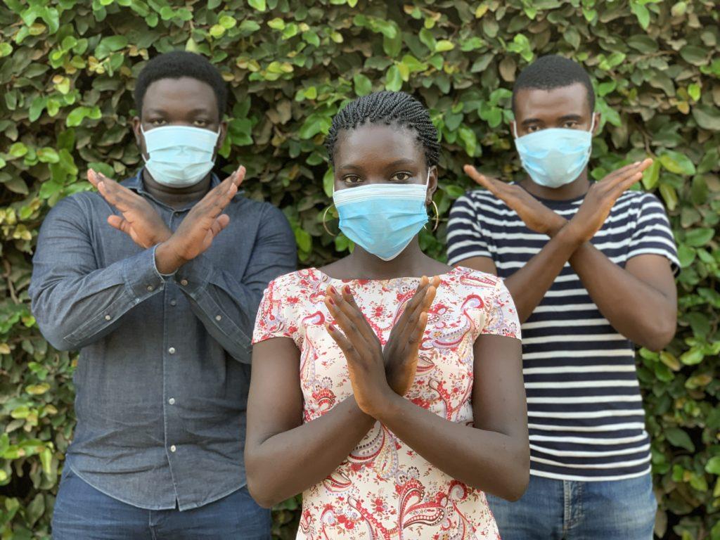 Les gestes barrières Crédits Photo : Emmanuel via Iwaria